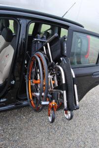 Robot chargeur pour fauteuil roulant