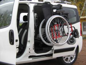 Treuil chargeur pour fauteuil roulant
